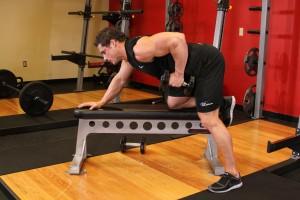 extensii-triceps-aplecat-vs-deasupra-capului