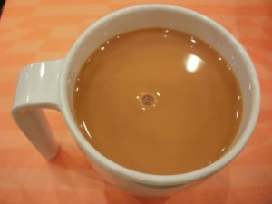 Ceai negru infuzat în lapte